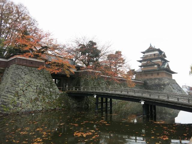 諏訪市・高島城は紅葉シーズンでした