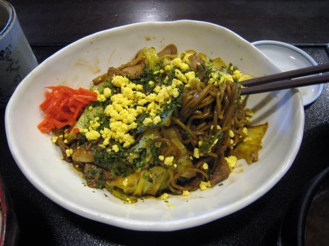 麺は和蕎麦ではなく中華麺