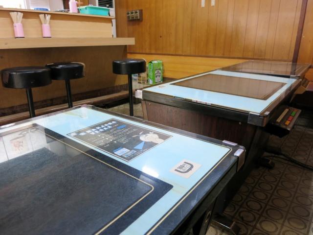愛松屋 飲食スペースにはゲーム台