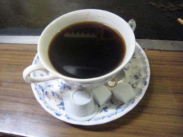 食後にコーヒーをサービスでいただいた