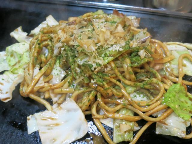 うどん並みのモチモチ極太麺