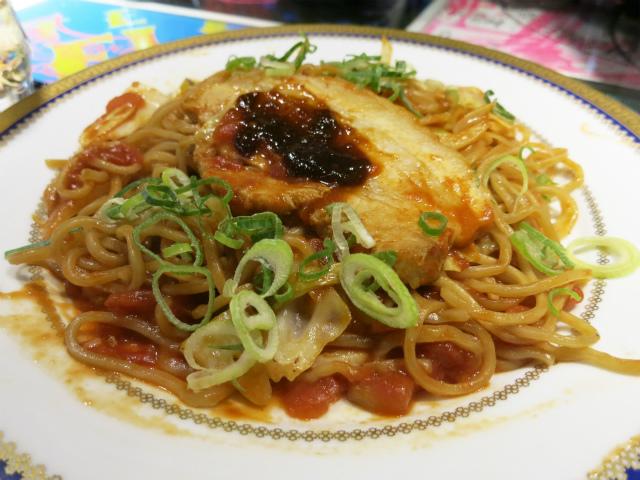 完熟トマト味噌のイタリアン焼き麺 680円
