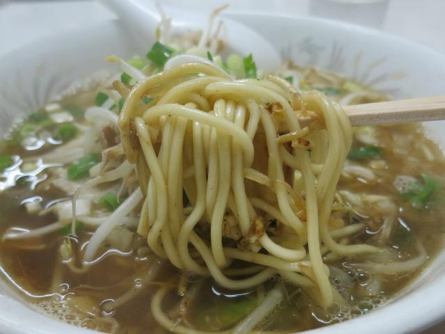 麺は呉市・大栄食品の麺を使用