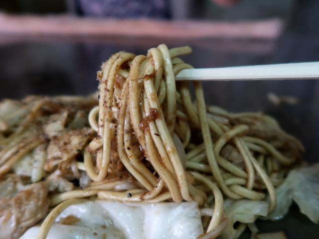 モチモチのちゃんぽん麺と金蝶ソース