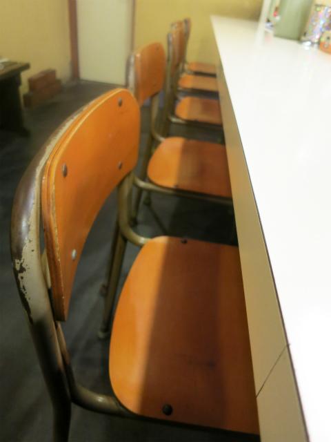 秀ちゃんラーメン 懐かしいタイプの椅子
