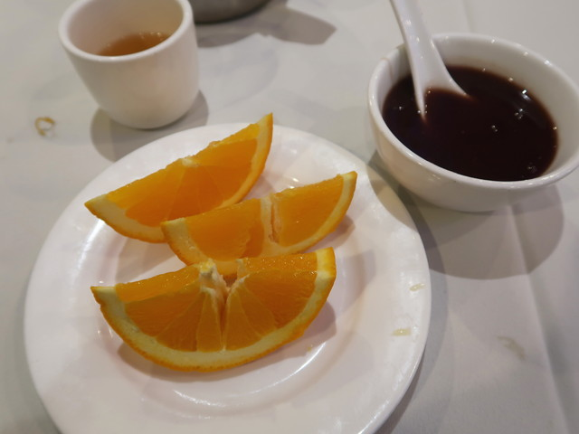デザートにオレンジとお汁粉