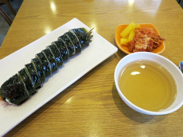 キム家のり巻(김가네김밥) ₩2,900