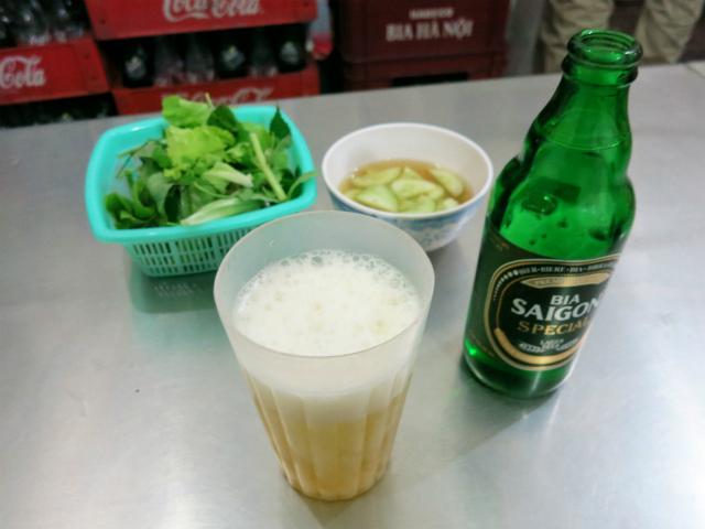 サイゴンビール(BIA SAIGON)をグビリ