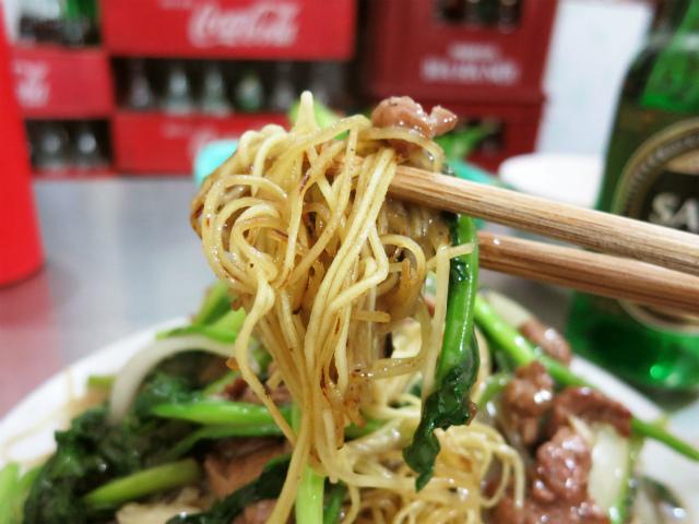 博多ラーメンで使われるような食感の中華麺