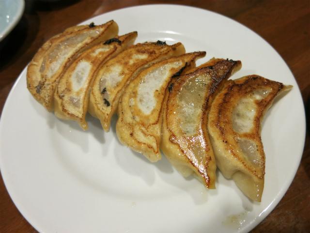 焼き餃子 甘い餡が特徴的