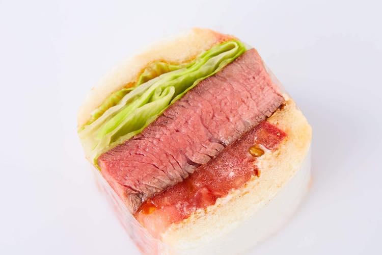 超厚切り!牛フィレステーキサンド〜玉ねぎソース〜